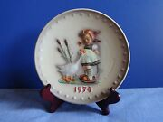 M.i. Hummel Goebel Collector Plates 1974 4th Annual Goose Girl