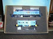 Athearn Ho Scale 2212 Special Edition Gp38-2 Power And Caboose W/dcc