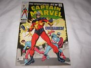 Bronze Age Key Issue Captain Marvel 17 1st New Costume Vf+ 8.5 To Vf/nm 9.0