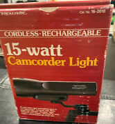 Vintage Realistic 15 Watt Camcorder Light And Battery Pack Cat No 16-2010 Japan