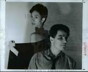 1989 Press Photo Diane Dowling And Arthur Striming In The Traffic Of A Targeted Ct