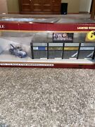 Model Power 772 West End Shopping Center Lighted W/figures/truck Ho Scale