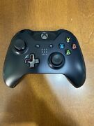 Xbox One Day One Edition Controller