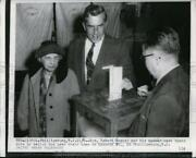 1958 Press Photo Gov.robert Meyner And His Mother Cast Their Votes In Ballot Box