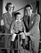 Old Cbs Radio Tv Photo Portrait Featuring Perry Como With His Son And Wife 2