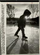 1976 Press Photo Gary Asham Learns To Ice Skate On Pond In Pennsylvania