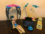 Monster High Cleo De Nile Doll Desert Frights Oasis Playset 13 Wishes Complete