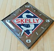 Vintage Original Skelly Oil Co Battery Operated Quartz Clock Very Good Condition