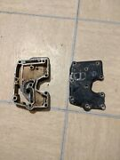 1984 Mercury 25hp Exhaust Manifold And Exhaust Cover