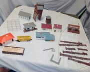 Lot Of Small Ho Scale Buildings Faller, Plasticville Misc. 1 Union Pacific Train