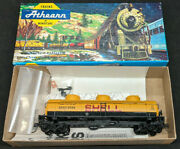Athearn Shell Sccx 2000 Tank Car, 3-dome, Ho Scale Vintage, Yellow.