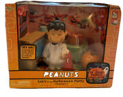 Memory Lane 2003 Peanuts Gang Lucy At The Halloween Party Playset, New In Box