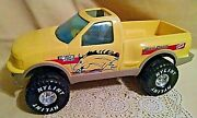 Ford F-150 Nylint Horse Stables Yellow Beige Plastic 1997 Large Blue Windshield.
