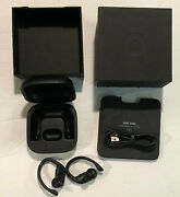 Beats A2047, A2048 Wireless Earnphones And Charging Case Black Great Condition