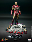 Hot Toys - Mms196 - The Avengers 1/6th Battle Damaged Mark Vii Limited Edition
