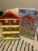 Peppa Pig's Family Home Dollhouse Playset 22 Tall 11 Pieces New Outer Box Wear