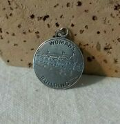 1893 The Woman's Building Chicago Worlds Fair Columbian Exposition Medal 1.5 Gr