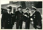 1975 Press Photo Commander Richard Lanning And Officers At Albany Medical Center