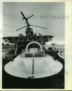 1980 Press Photo Phillippe Lagadec Securing A Small Hovercraft On The Calypso