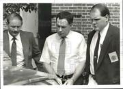 1991 Press Photo Paul David Crews With Police Officers In New Bloomfield