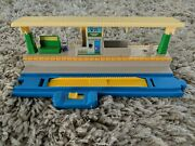 Thomas And Friends Train Trackmaster Railway Shop Express 1998 Tomy Engineandnbsptrack