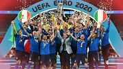 Italy Football Team Euro 2020 Champions Wall Art Large Framed Canvas Picture