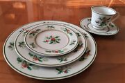 Noritake Fine China Dinnerware Holly 2228 5 Piece Service Of 1 Mint Condition