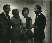 1972 Press Photo Brooks Stevens And Others At Pre-awards Dinner Party Wisconsin