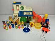 Vintage 1970's Fisher Price Little People Sesame Street Clubhouse 937 Huge Lot