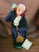 Byers Choice Carolers 1994 Old Befana, Italian Christmas Witch Broom Presents