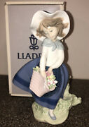 New Lladro Pretty Pickings 5222 Girl W/ Basket Of Flowers And Hat Figurine 7.25