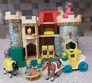 Vintage 993 Play Family Castle Vintage Fisher Price Little People