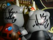 Kidrobot Huck Gee Post Apocalypse Red And Black Radiated Rhino Dunny Signed 2 2013