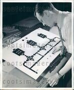 1943 Westinghouse Engineer Controls Pipeline From Switchboard Pa Press Photo