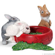 New Schleich 13725 Baby Rabbits With A Bowl Of Lettuce - Farm Life - Retired