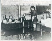 1947 Italian Housewife Cooks On Stove In Spite Of Floodwater Milan Press Photo