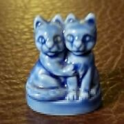 Wade England Collectible Figurine - Kittens - Pet Shop Series - Blue - 1andfrac12 Tall