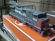 Lionel--- 18228------southern Pacific Dash-9,, Command And Railsounds
