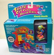 1732 Nib Vintage Tyco Skate City N The Roller Girls Fran And Her Phone Booth