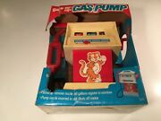 Vintage Illco Gas-er-up Wind Up Toy Gas Pump W Handle Tiger Decal Service Bell