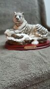 White Tiger Classic Wildlife Collection Statue- New