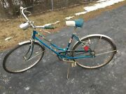 Set Of Vintage Schwinn Breeze Three Speed And Menand039s 10 Speed Bicycles
