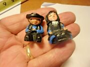 Pp-vintage Pair Of 1 Sitting Cast Iron Hand Painted Amish Figures