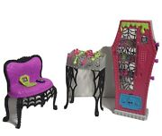 Monster High Social Spots Student Lounge Doll Accessories Lot Used