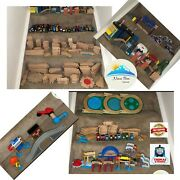 Thomas The Train Wood Play Set 317 Pieces Railroad Tracks, Trains, Accesories
