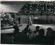 1969 Press Photo Mexican Invasion Dining And Dancing Moscow Russia - Nec48733