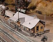 Campbell Scale Models Ho Scale Quincy Station | Bn | 402
