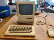 Apple Macintosh 512k With Keyboard And Mouse