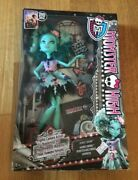Monster High Doll Frights Camera Action Honey Swamp New Unopened
