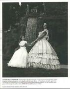1997 Press Photo Cypress Gardens' Southern Belle And Junior Belle In Florida
